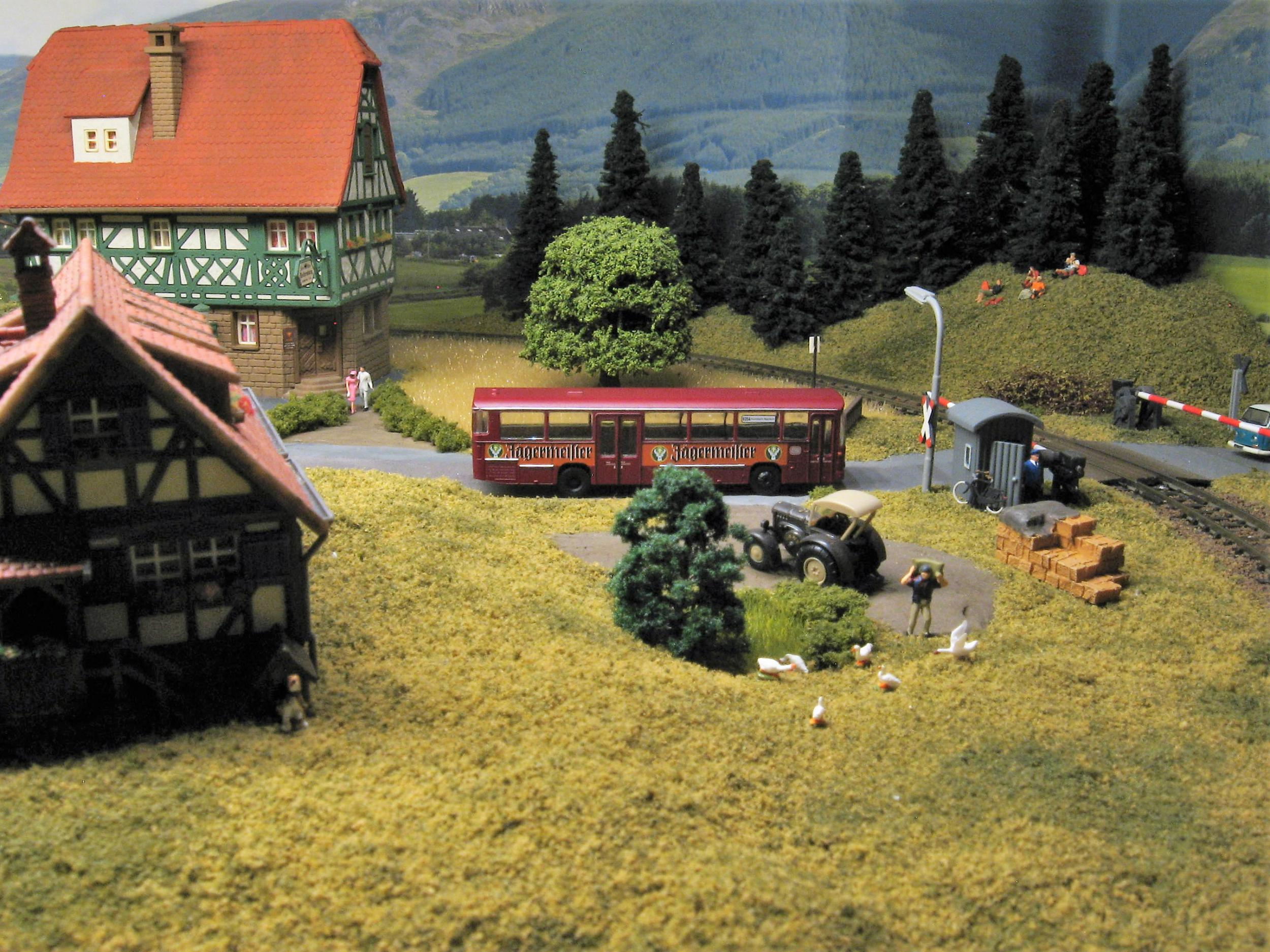 1:160 scale model buses